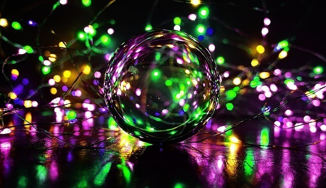 crystal-ball-photography-3894871_640.jpg